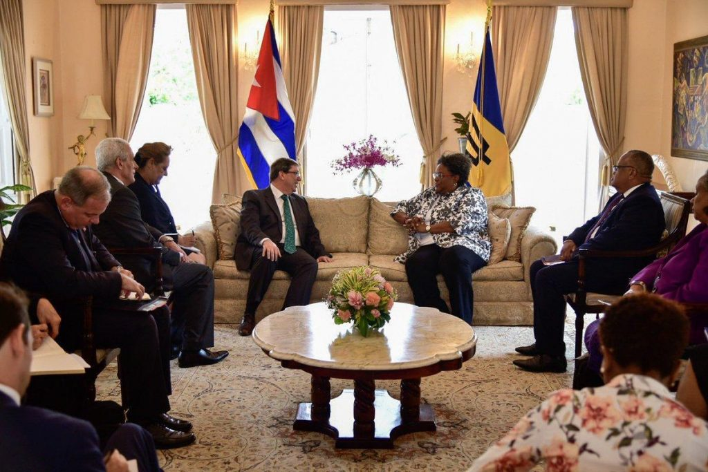 Motley y Bruno dialogaron sobre temas de la agenda regional e internacional. (Foto: Cubaminrex)