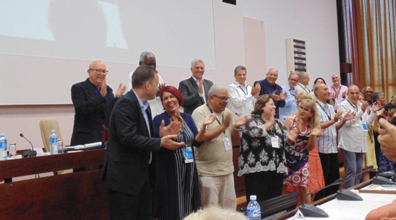 Presentación del nuevo ejecutivo de la Uneac en el IX Congreso de la organización. (Foto:  Taissé Del Valle)
