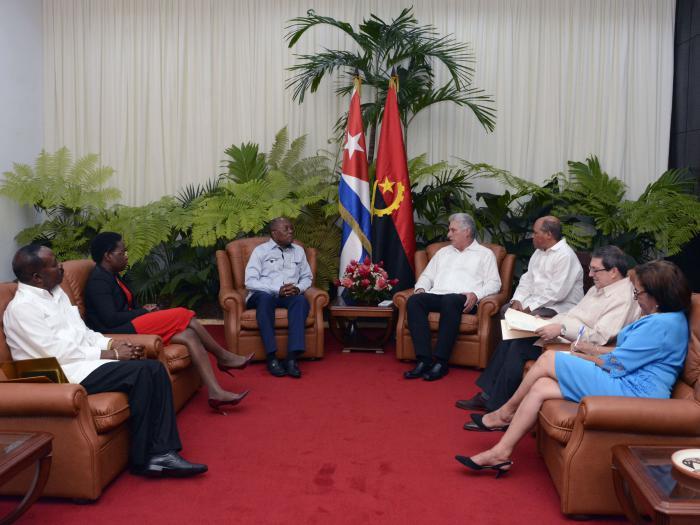 Además de temas bilaterales, Díaz-Canel y Manuel Augusto abordaron diversos temas de la agenda internacional. (Foto: Estudios Revolución)
