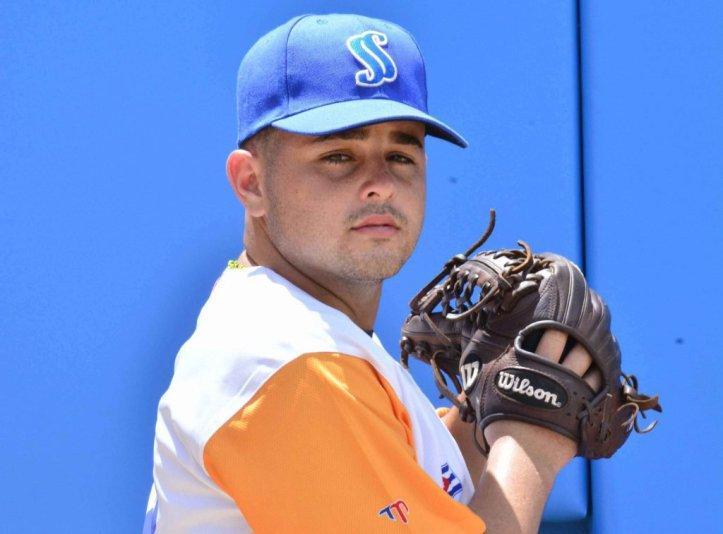 Edelso Montesinos caminó sin problemas siete capítulos con solo cuatro hits para llevarse el triunfo. (Foto: Vicente Brito / Escambray)