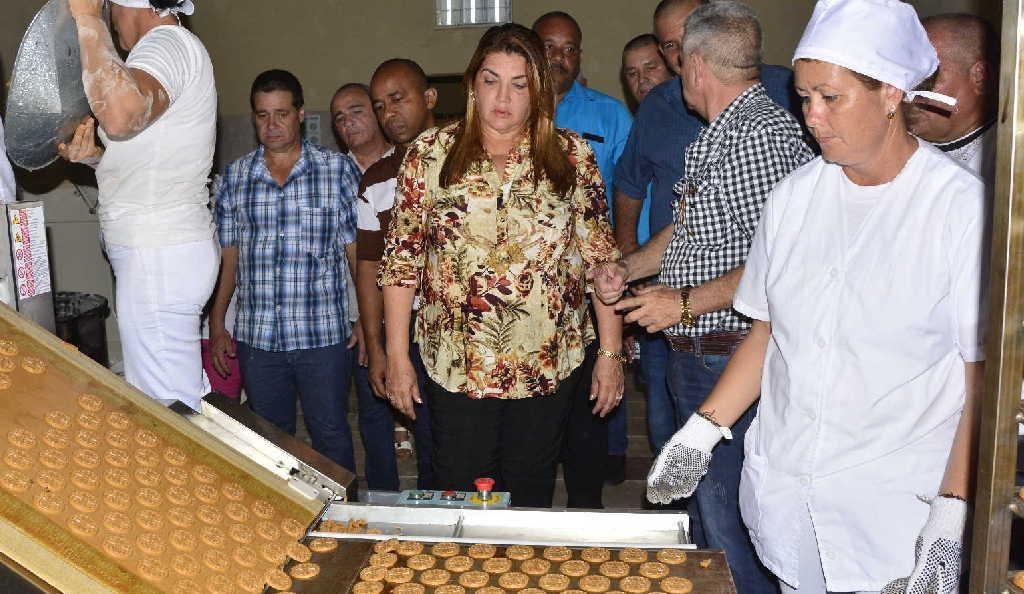sancti spiritus, aniversario 505 de sancti spiritus, obras sociales, fabrica de galletas
