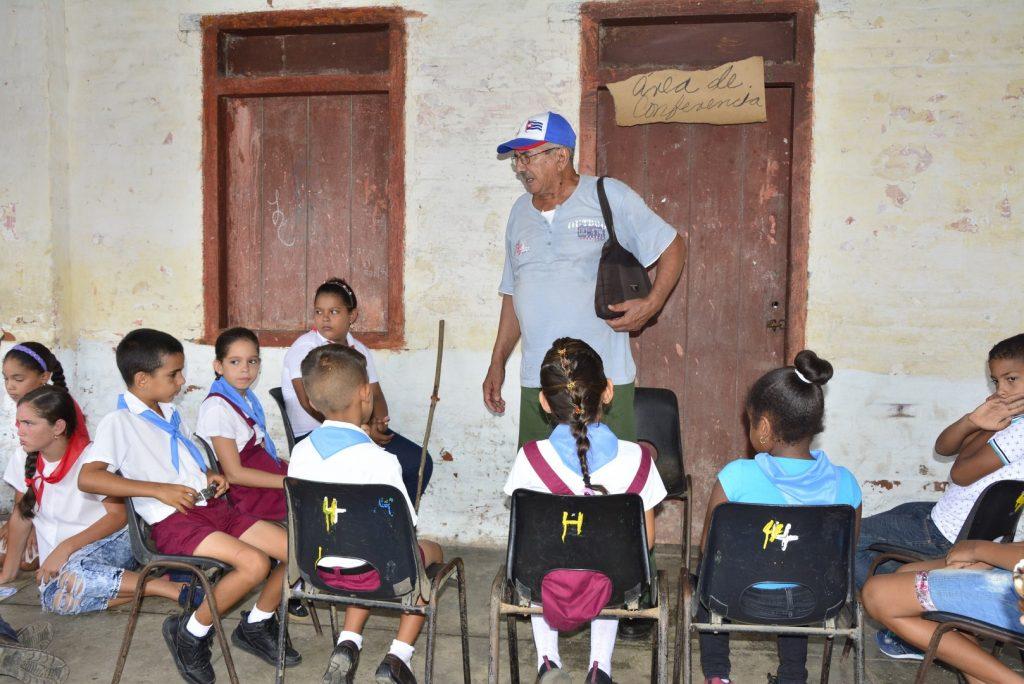 Los estudiantes de la escuela primaria República de Colombia se sumaron a la jornada de preparación.