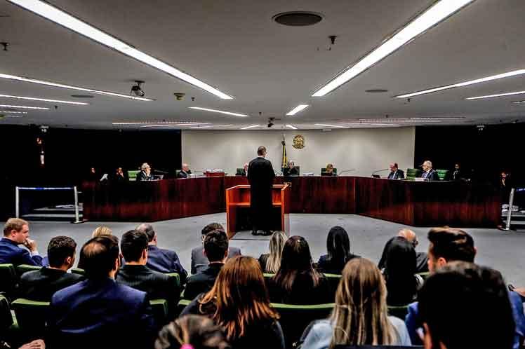 Los magistrados discutieron sobre dos recursos de habeas corpus presentados por la defensa de Lula. (Foto: PL)