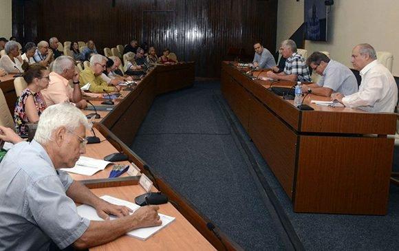 El mensaje sucede al encuentro sostenido por Díaz-Canel con intelectuales de la isla. (Foto: Estudios Revolución)