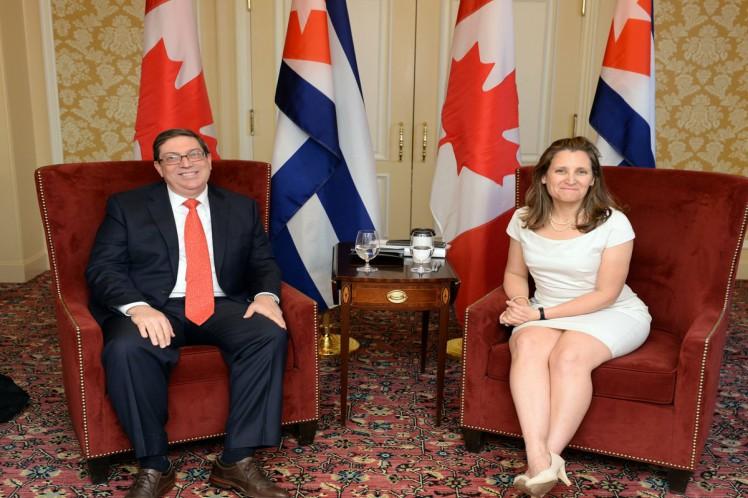 Bruno Rodríguez, titular cubano de Relaciones Exteriores, sostuvo un intercambio con su homóloga, Chrystia Freeland. (Foto: PL)