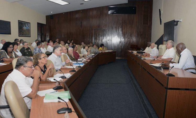 Las medidas fueron aprobadas por el Consejo de Ministros. (Foto: PresidenciaCuba)