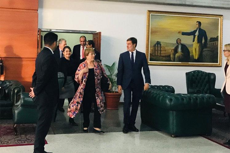 El informe de la visita de Bachelet a Venezuela abundó en referencia a los sectores críticos y omitió la información oficial. (Foto: PL)