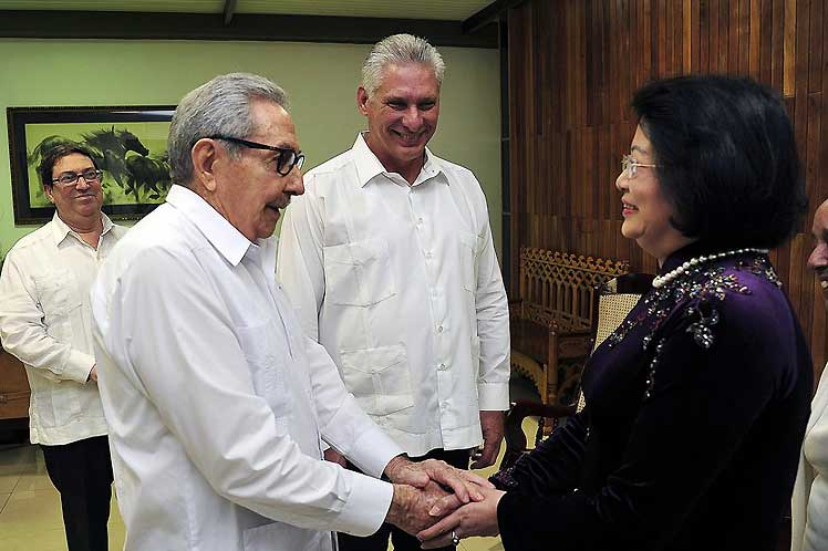 Las partes dialogaron sobre los entrañables lazos de hermandad que unen a los dos pueblos, partidos y gobiernos. (Foto: PL)