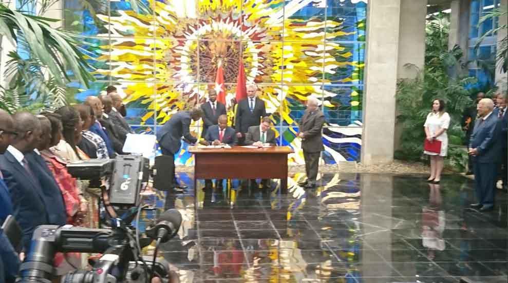 Cuba y Angola rubricaron acuerdos de cooperación en varias esferas. (Foto: TeleSUR)