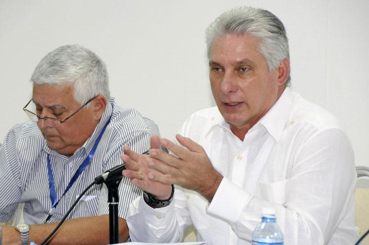 Díaz-Canel aseguró que en la actualidad los ritmos de terminación de viviendas son superiores. (Foto: PL)