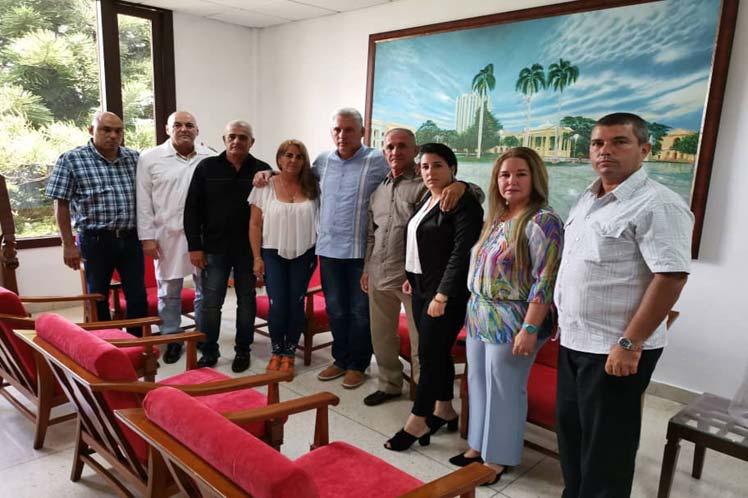 En su cuenta en Twitter, Díaz-Canel divulgó una imagen de la reunión. (Foto: PL)
