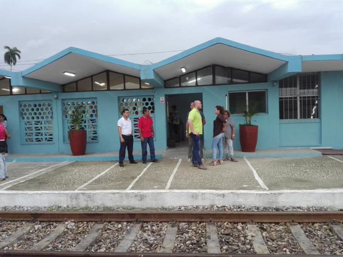 Estación-de-ferrocarriles-de-Guayos