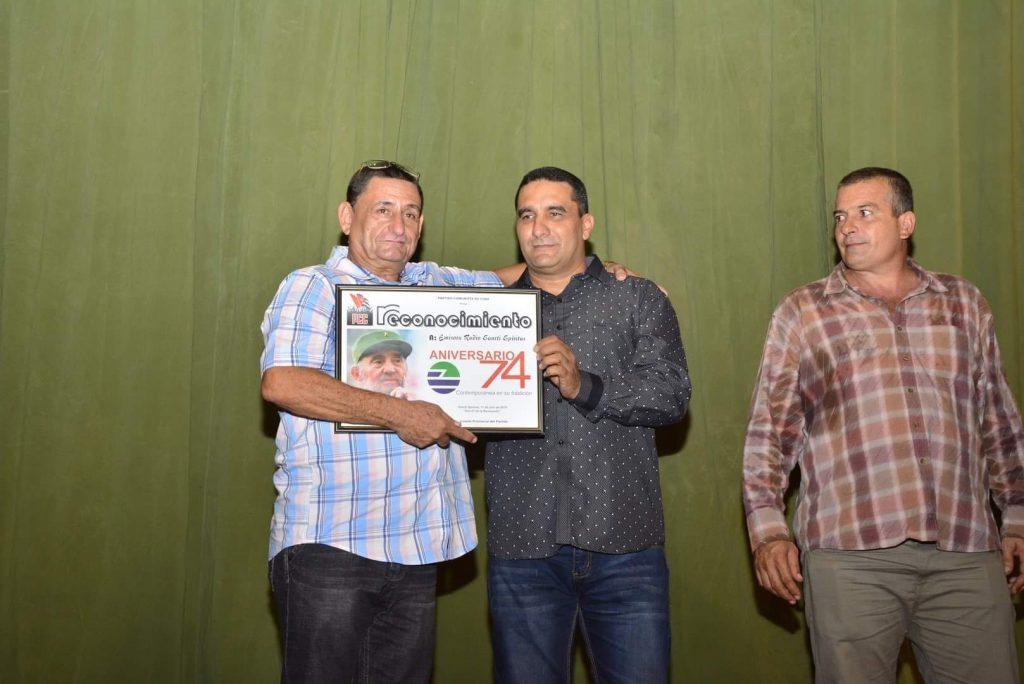 Radio Sancti Spíritus mereció el reconocimiento de las máximas autoridades política y de gobierno de la provincia.
