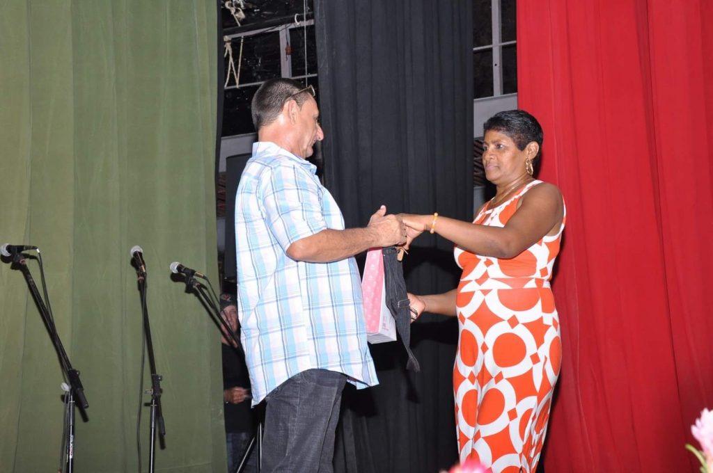 Elsa Ramos resultó la periodista más laureada del Festival.