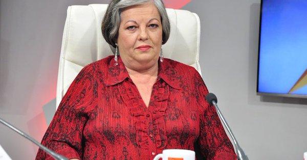 La ministra sugirió que ante cualquier duda se consulte a la instancia superior para evitar malentendidos. (Foto: Radio Rebelde)