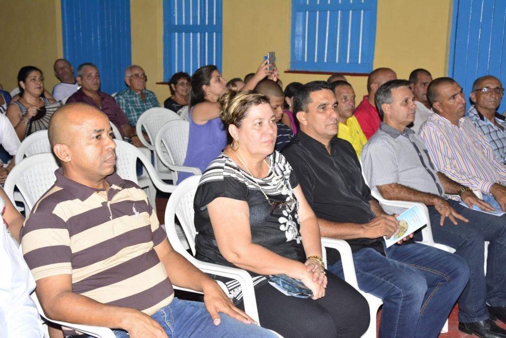 Autoridades políticas y de gobierno de la provincia asistieron a la Gala.