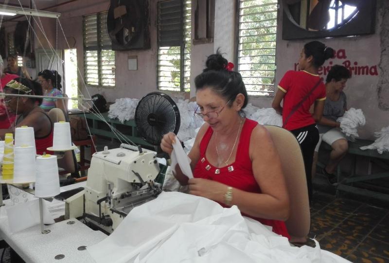 trinidad, uniformes escolar, confecciones cumbres, curso escolar 2019-2020