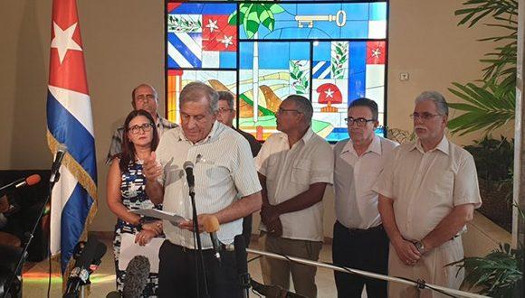 Doctor en Ciencias Mitchell Joseph Valdés-Sosa, director General del Centro de Neurociencias de Cuba ofrece declaraciones a la prensa en la Cancillería. (Foto: @CubaMINREX)