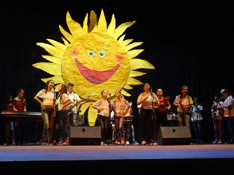 sancti spiritus, cantandole al sol