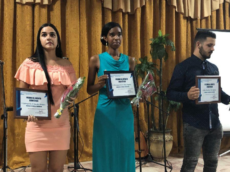 graduados de la universidad de sancti spiritus jose marti2