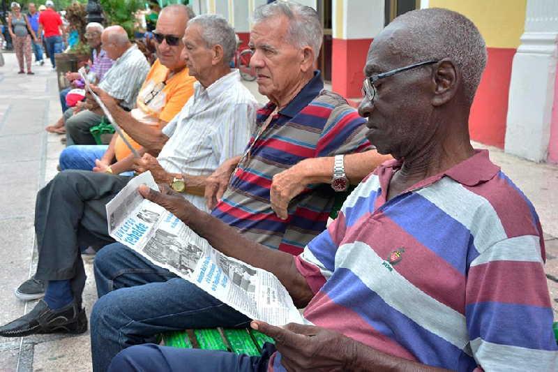 sancti spiritus, pension, seguridad social,  salarios