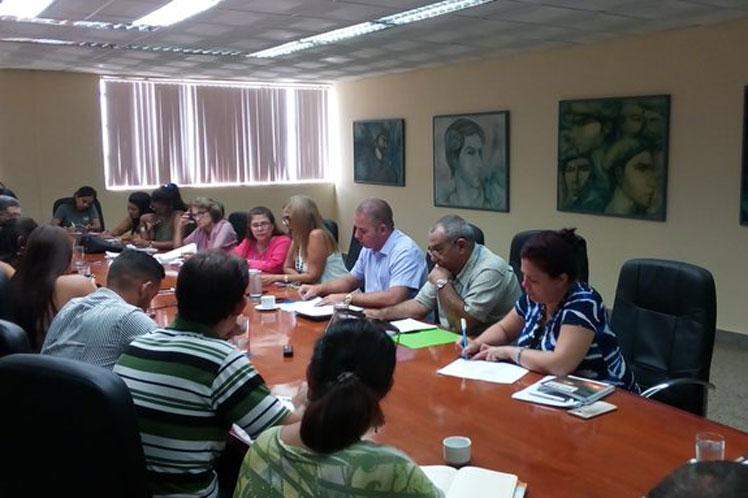Meisi Bolaños sostuvo que para preservar el valor real de la remuneración, se dispuso el no incremento de precios. (Foto: PL)