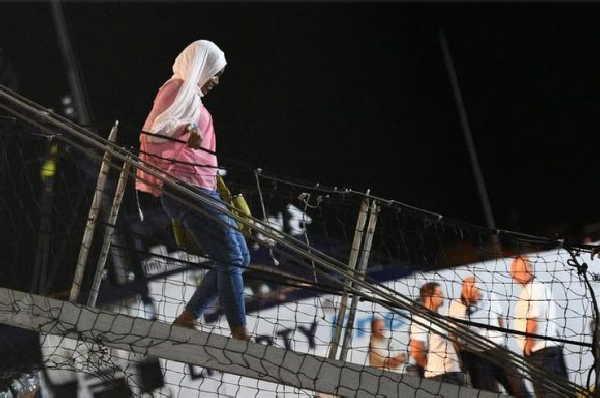 union europea, migrantes, barco, italia