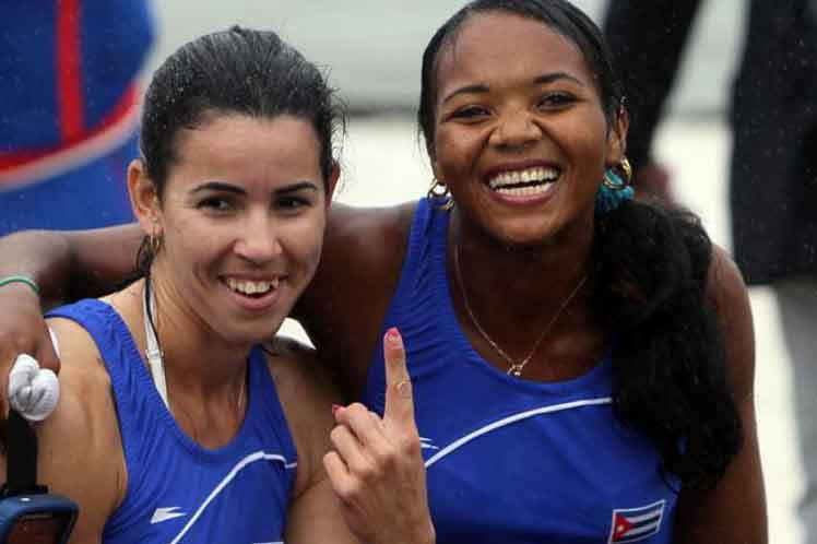 La dupla Aimee Hernández-Yariulvis Cobas imprimió un alto ritmo a sus paletadas para hacerse del título. (Foto: PL)