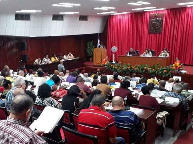 Importantes tópicos del acontecer espirituano fueron debatidos en la Asamblea Provincial del Poder Popular. (Foto: Juan Carlos Castellón)