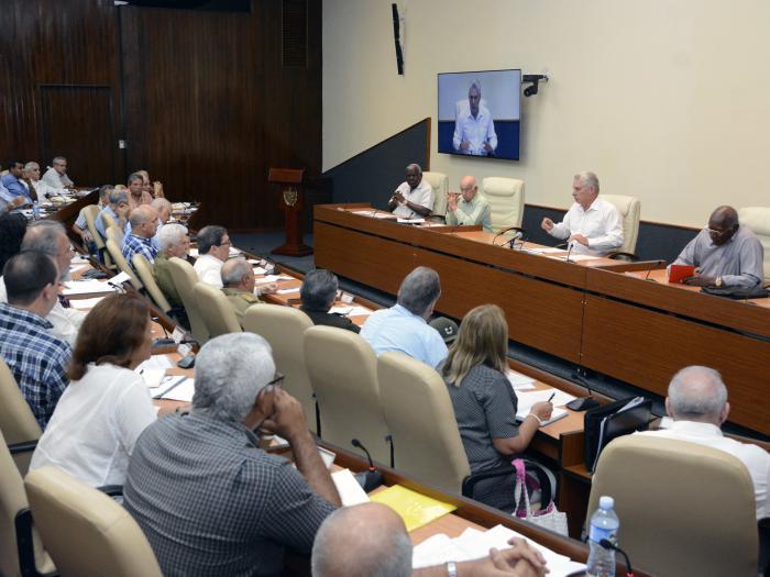 Díaz-Canel encabezó la sesión de este jueves del Consejo de Ministros. (Foto: Estudios Revolución)
