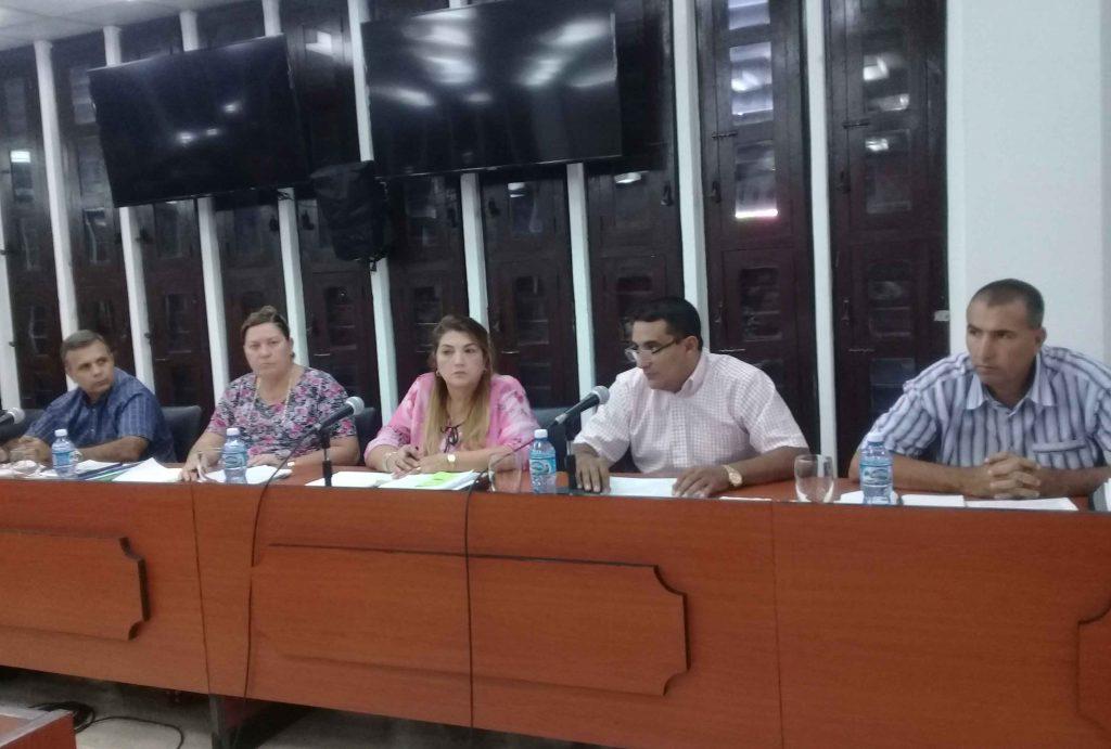 En el Pleno se insistió en que la provincia cuenta con potencialidades que es preciso explotar en mayor medida. (Foto: Delia Proenza / Escambray)