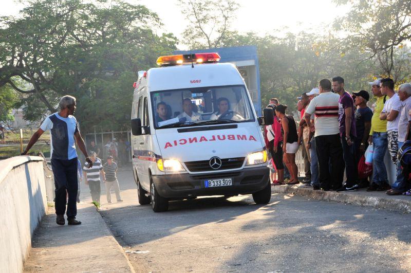 En medio de las dificiles condiciones de estos días, se han preservado serviciios vitales de la población. (Foto: Vicente Brito / Escambray)