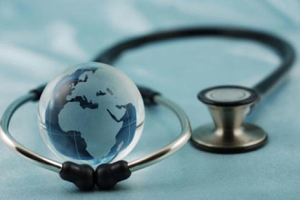La  cobertura universal de salud no es solo un imperativo moral, sino  económico, estiman especialistas. (Foto: PL)