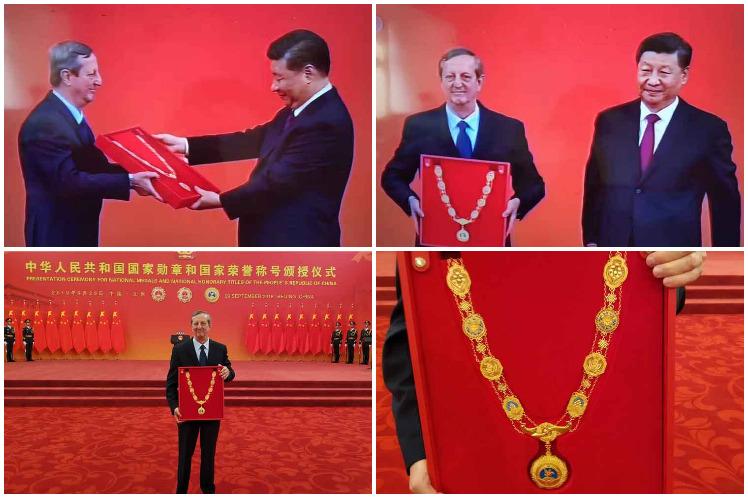 El embajador cubano recibió este domingo la Medalla de la Amistad de manos del presidente chino, Xi  Jinping. (Foto: PL)