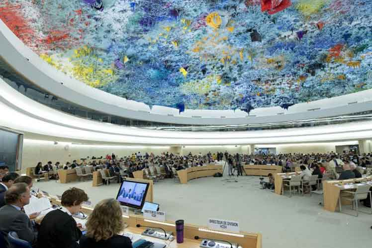 El texto indica la preocupación de ese órgano por el impacto negativo en el disfrute de los derechos humanos.