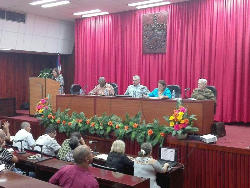 Teresita Romero Rodríguez, presidenta de la Asamblea Provincial del Poder Popular, expuso las medidas del territorio para enfrentar la actual situación energética.