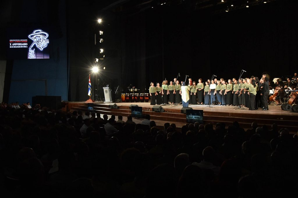 La Orquesta Sinfónica Nacional y el Coro  Nacional de Cuba interpretaron en la velada melodías de Almeida.