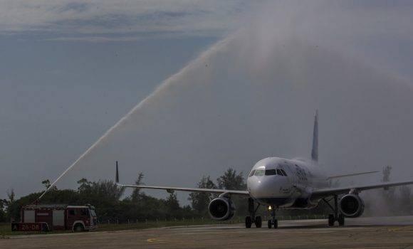 Nueve aeropuertos cubanos sufrirán las secuelas de la medida de la administración Trump. (Foto: Ismael Francisco / Cubadebate)