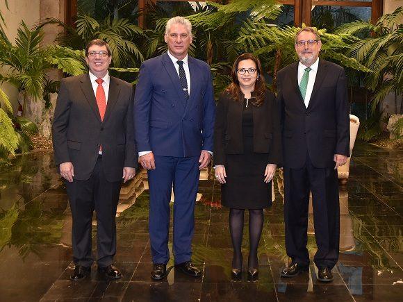 Recibe Díaz-Canel a la Excma. Sra. Evelyn Patricia Sánchez Granados, embajadora de la República de Costa Rica.