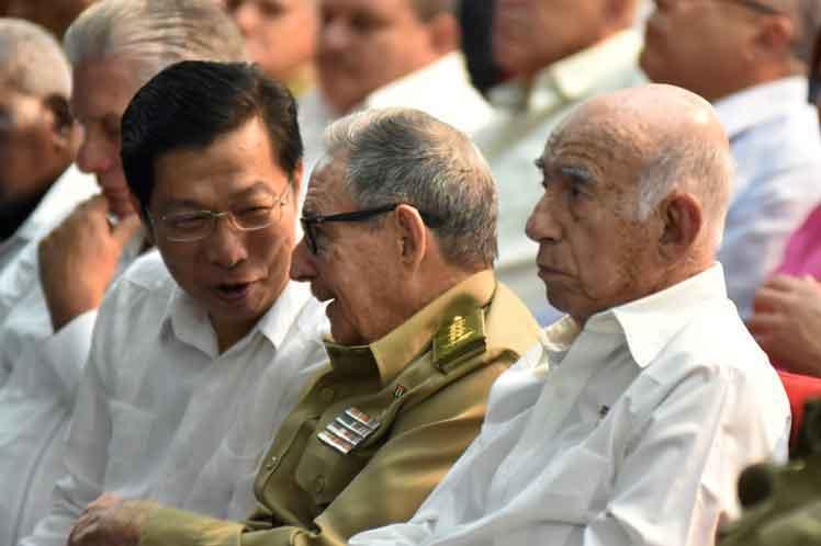 Durante la conmemoración, China ratificó su apoyo a Cuba en la construcción del socialismo. (Foto: PL)