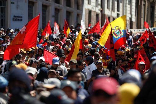 """Las movilizaciones de Quito, Guayaquil y otras provincias del país exigen derogación del """"paquetazo"""". (Foto: TeleSUR)"""