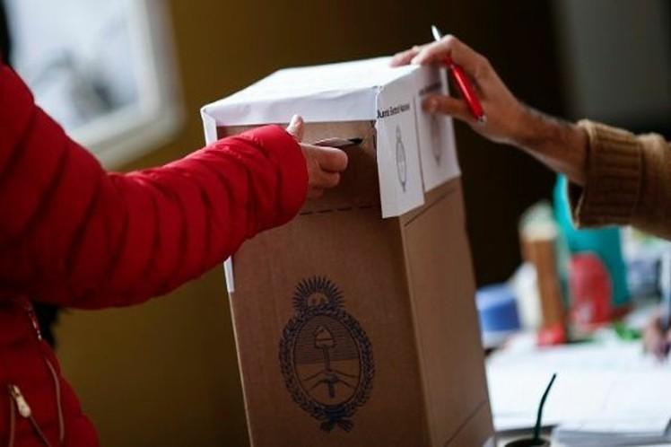 Muchos esperan por el domingo para una primera  vuelta crucial en la que los argentinos deberán elegir. (Foto: PL)