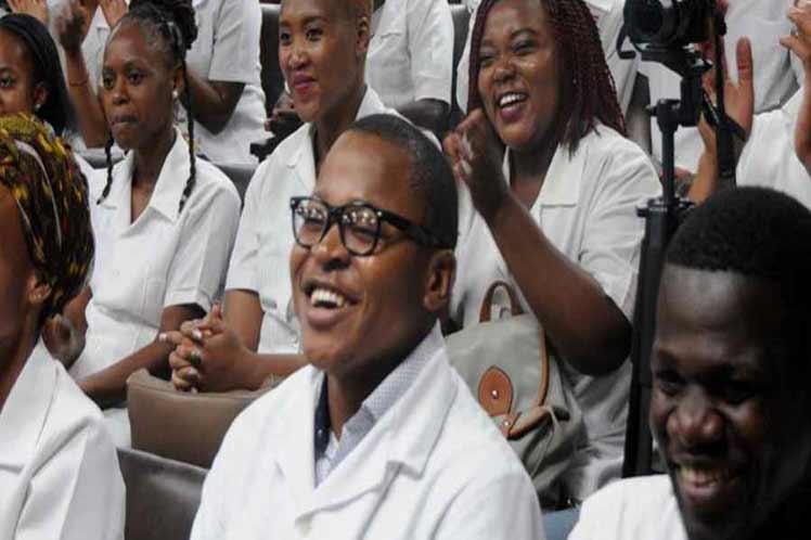 cuba, sudafrica, elam, escuela latinoamericana de medicina, elam, medicina