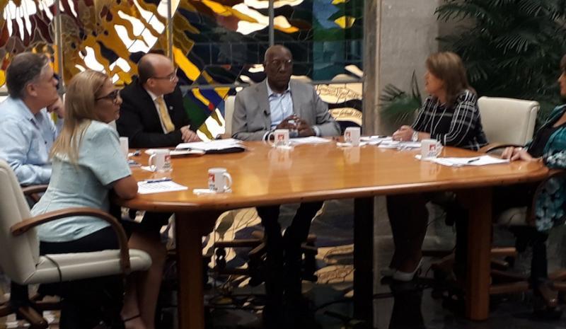 cuba, mesa redonda, economia cubana, salvador valdes mesa, vicepresidente de cuba, cimex
