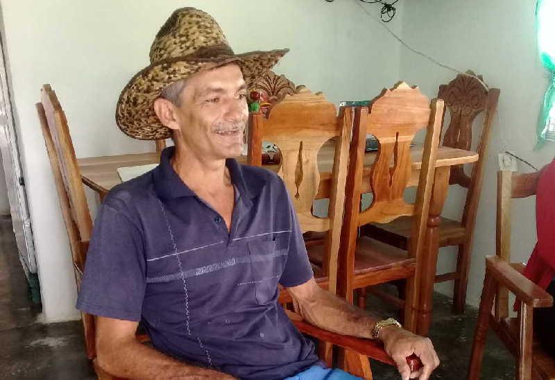 Dieciséis años han pasado desde que Omar se sumergiera en la apicultura.