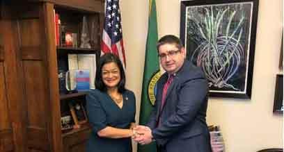 De excelente calificó Pramila Jayapal su encuentro con Miguel Fraga para hablar sobre la Ley de Libertad para Viajar a Cuba. (Foto: PL)