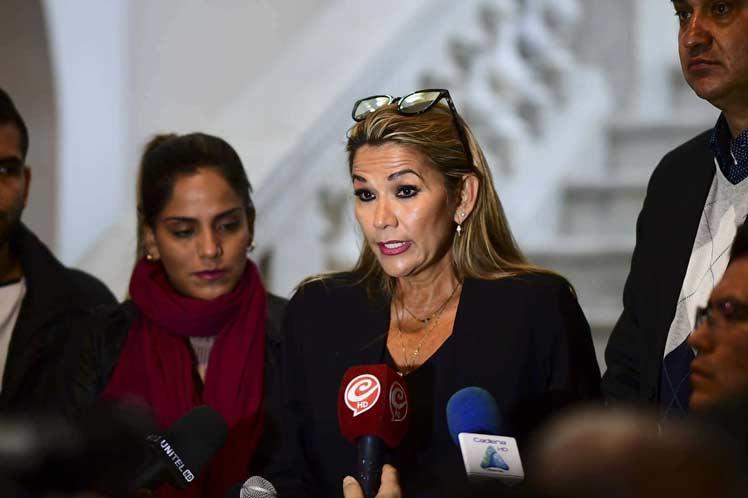 La senadora de oposición Jeanine Añez Chávez asumió la Presidencia de Bolivia. (Foto: PL)