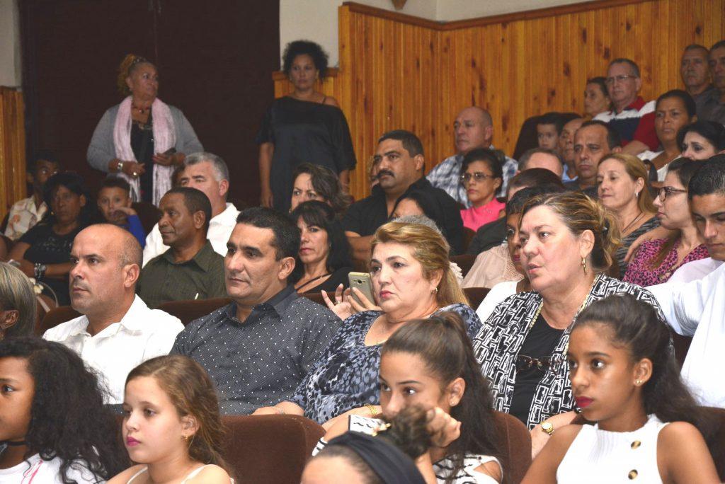 Las principales autoridades de la provincia participaron en la gala.