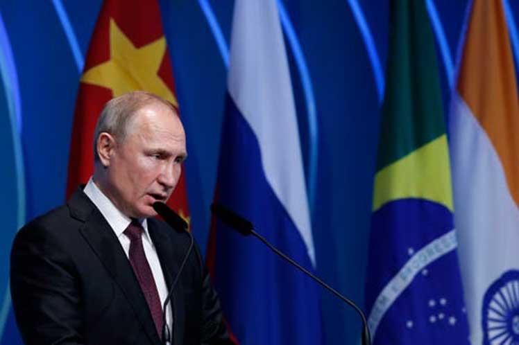 Putin refirió la creciente aplicación de métodos de competencia desleal en el comercio mundial. (Foto: PL)