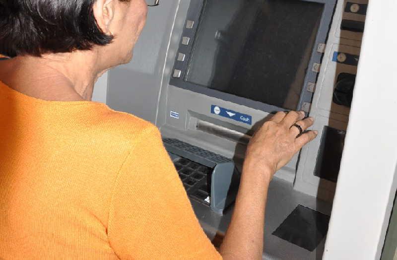 sancti spiritus, bandec, cajeros automaticos, tarjetas magneticas